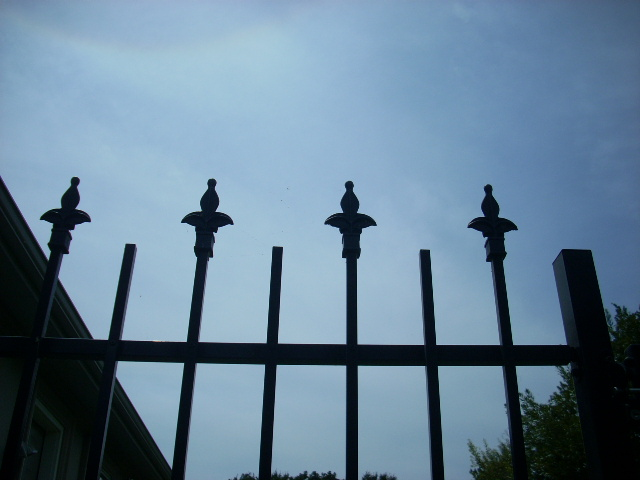 spear top decorative iron fencing